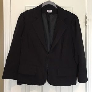 Women's blazer with pockets